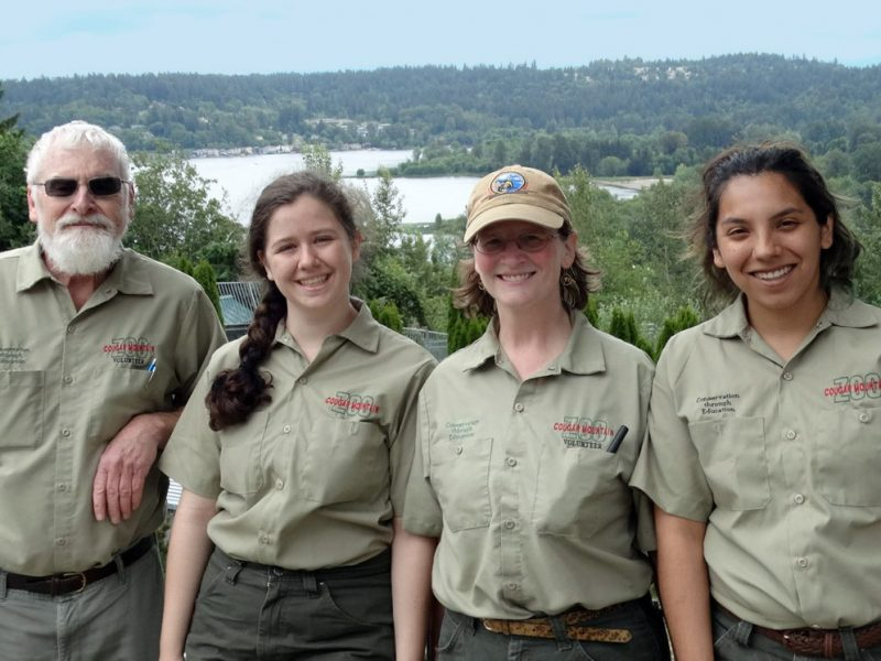 Cougar Mountain Zoo Volunteer Group